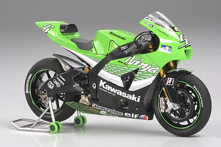 motorcycle plastic models,plastic models,Kawasaki Ninja ZX-RR Bike -- Plastic Model Motorcycle Kit -- 1/12 Scale -- #14109